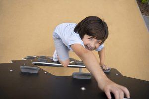 jeu pour enfant mur escalade